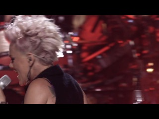 Pink - Blow Me One Last Kiss (Live at L.A.)